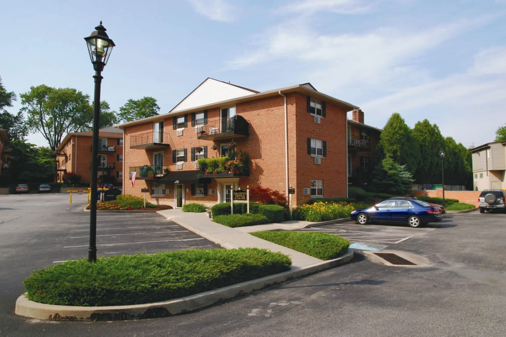 Exterior of Ridley Brook Apartments in Folsom, Pennsylvania