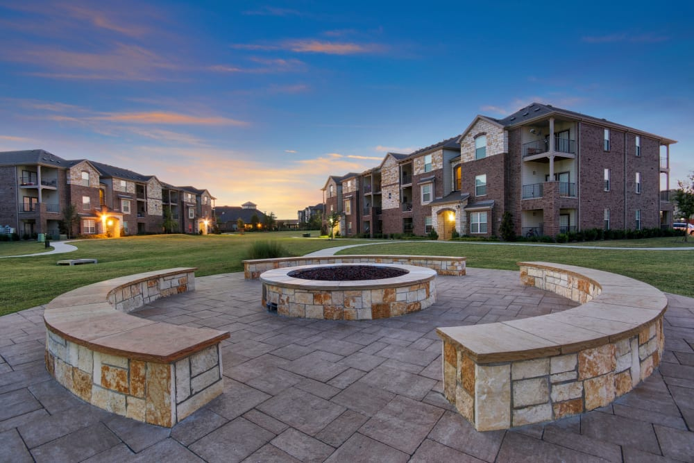 Fire pit at sunset at Creekside South in Wylie, Texas