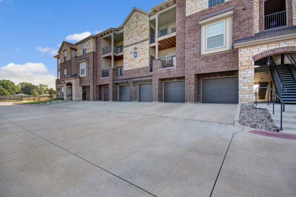Garage access driveway at Creekside South in Wylie, Texas