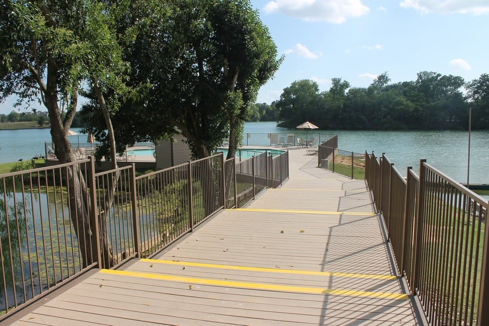 Walkway to pool at The Reserve at Windmill Lakes in Houston, Texas