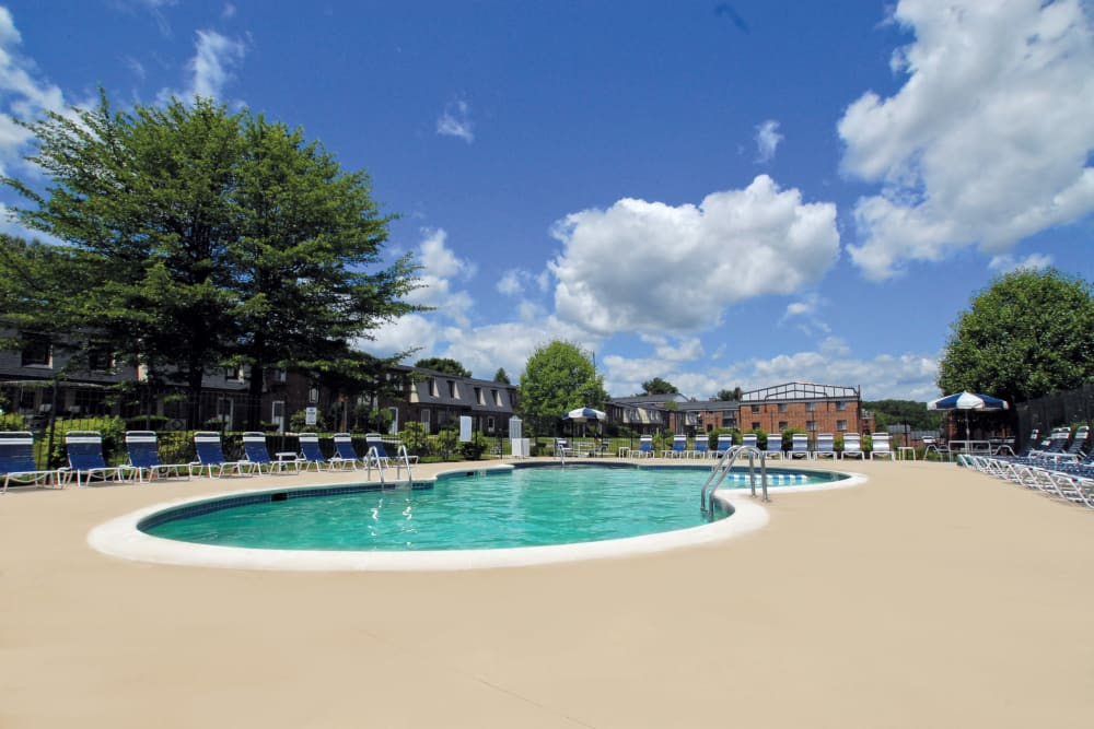 The Heights At Marlborough offers a luxurious community swimming pool in Marlborough, Massachusetts