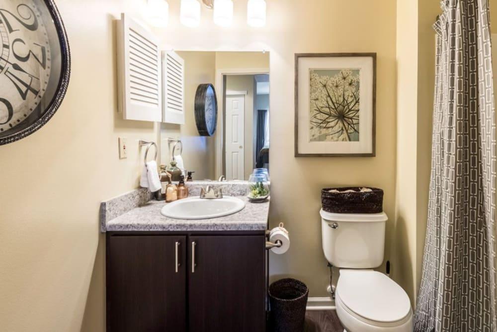 Cozy bathroom at Heritage Green in Hilliard, Ohio