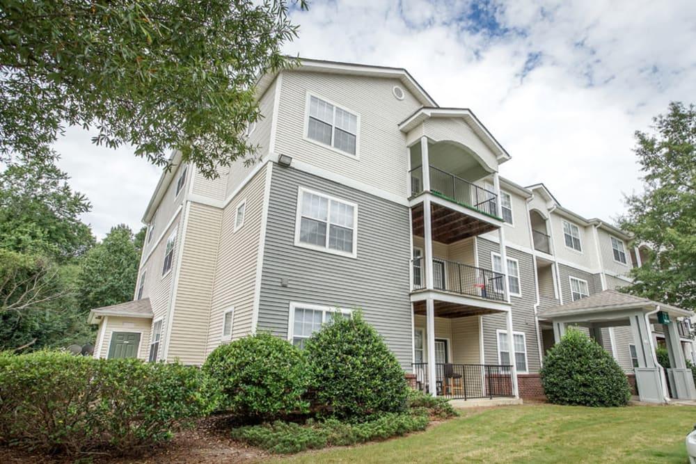 Exterior of apartments at Hidden Creek in Morrow, Georgia