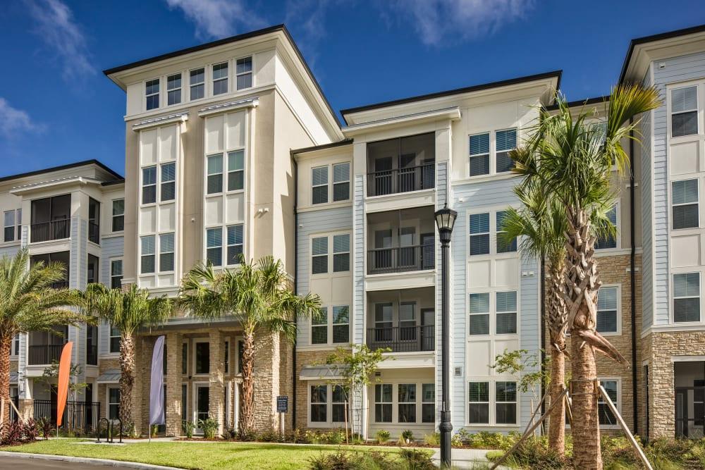 Interesting architectural design elements at Linden Audubon Park in Orlando, Florida
