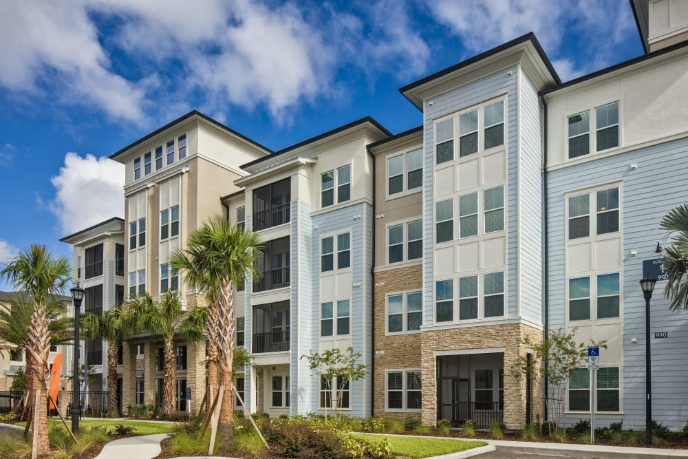 Apartment exterior at Linden Audubon Park in Orlando, Florida
