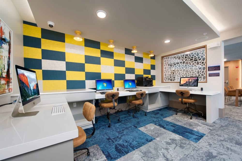 Business center in Clubhouse at Linden Crossroads in Orlando, Florida