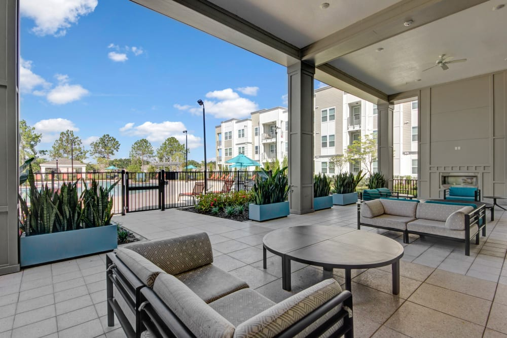Outdoor sitting area by Clubhouse at Linden on the GreeneWay in Orlando, Florida