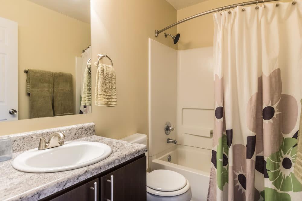 Model bathroom at Sycamore Ridge in Dublin, Ohio