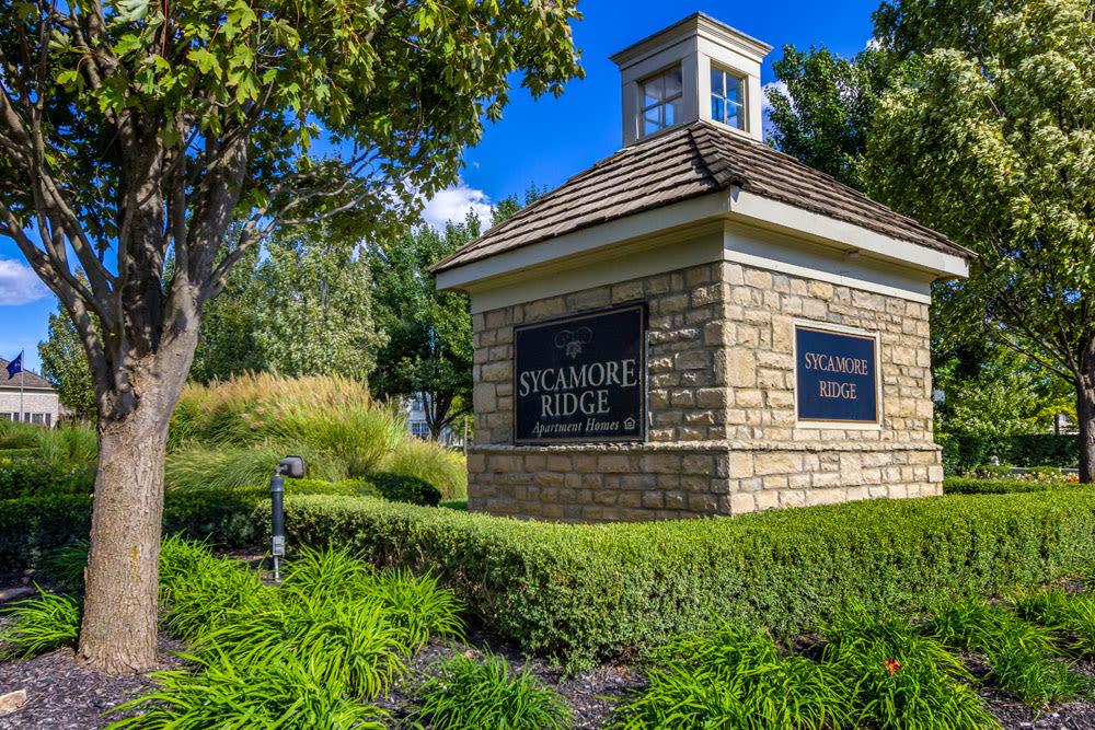 Impeccable landscape at the entrance sign at Sycamore Ridge in Dublin, Ohio