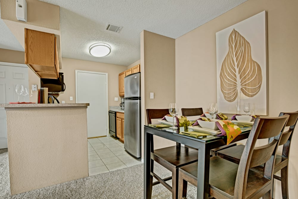 Dining nook at The Lakes of Schaumburg in Schaumburg, Illinois