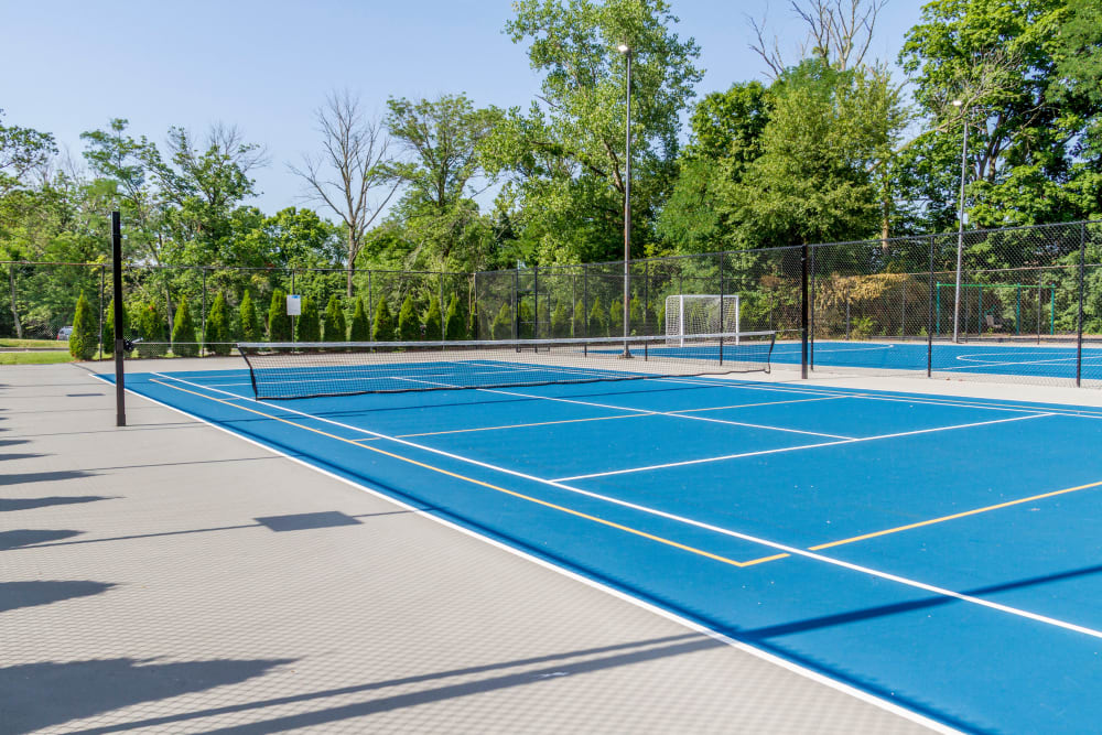 Enjoy Apartments with a Tennis Court at Park at Hurstbourne