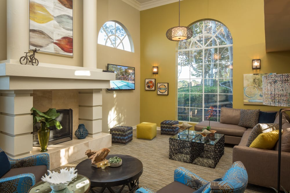 Large clubhouse with a fireplace at Niguel Summit Condominium Rentals in Laguna Niguel, California