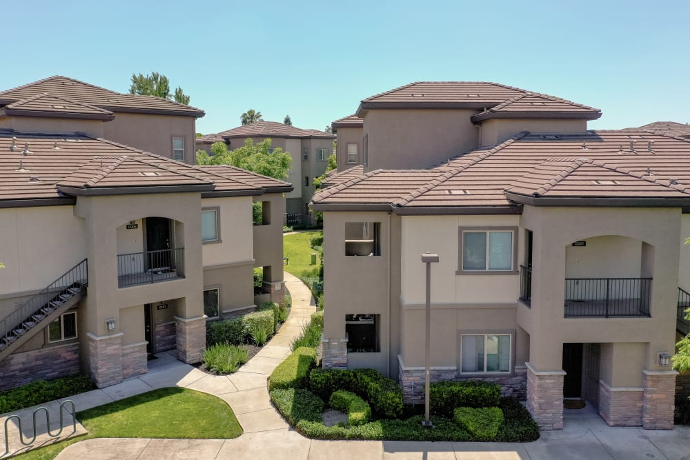Exterior view of Wolf Ranch Condominium Rentals in Sacramento, California
