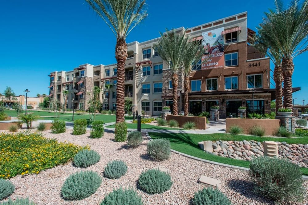 Exterior of apartment buildings at Luxe Scottsdale Apartments in Scottsdale, Arizona