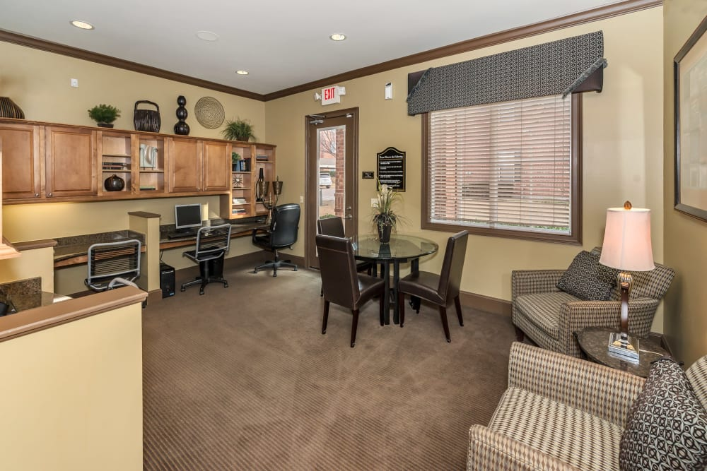 Business center with computers at Vista 121 Apartment Homes in Lewisville, Texas