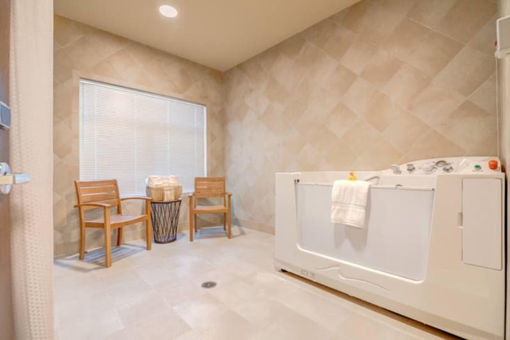 Large tub at Mission Healthcare at Renton in Renton, Washington.