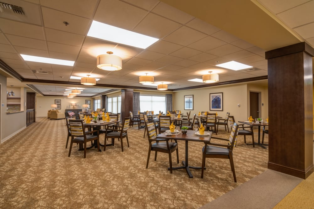 Resident dining room at Mission Healthcare at Renton in Renton, Washington.