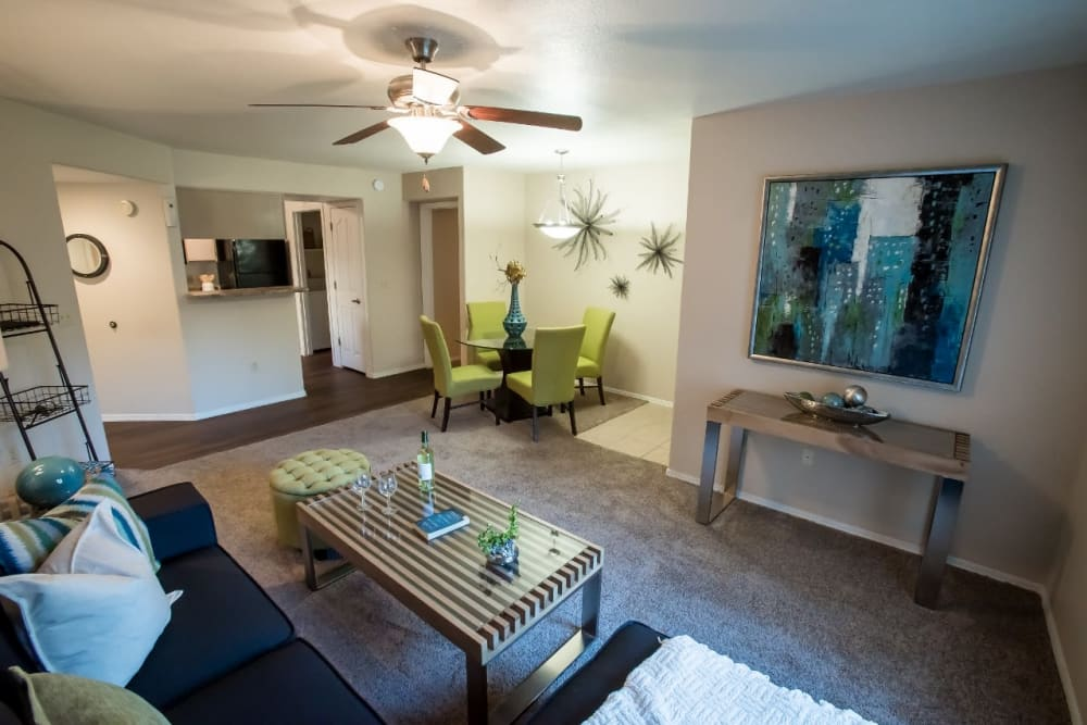 Well decorated living room at The Palms on Scottsdale in Tempe, Arizona