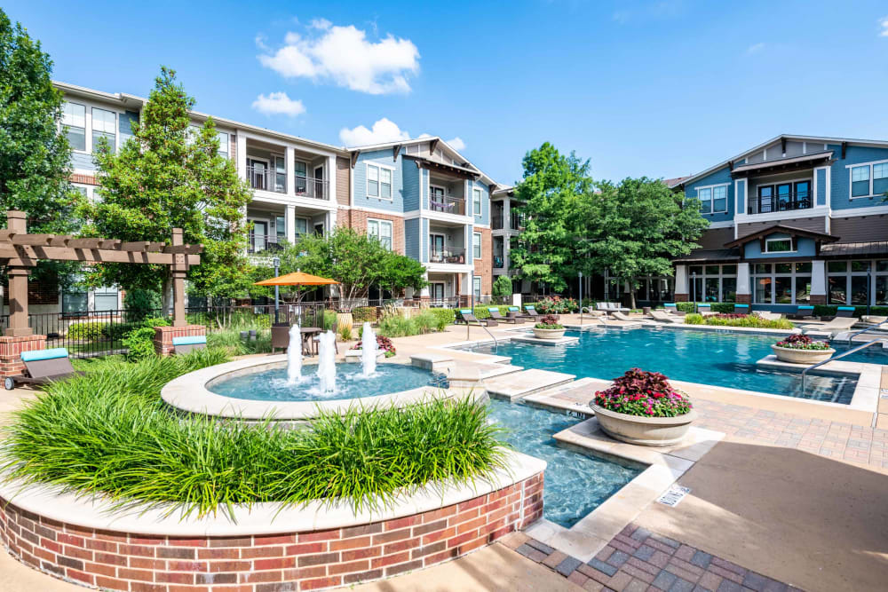 View of fountain and pool at Terrawood in Grapevine, TX