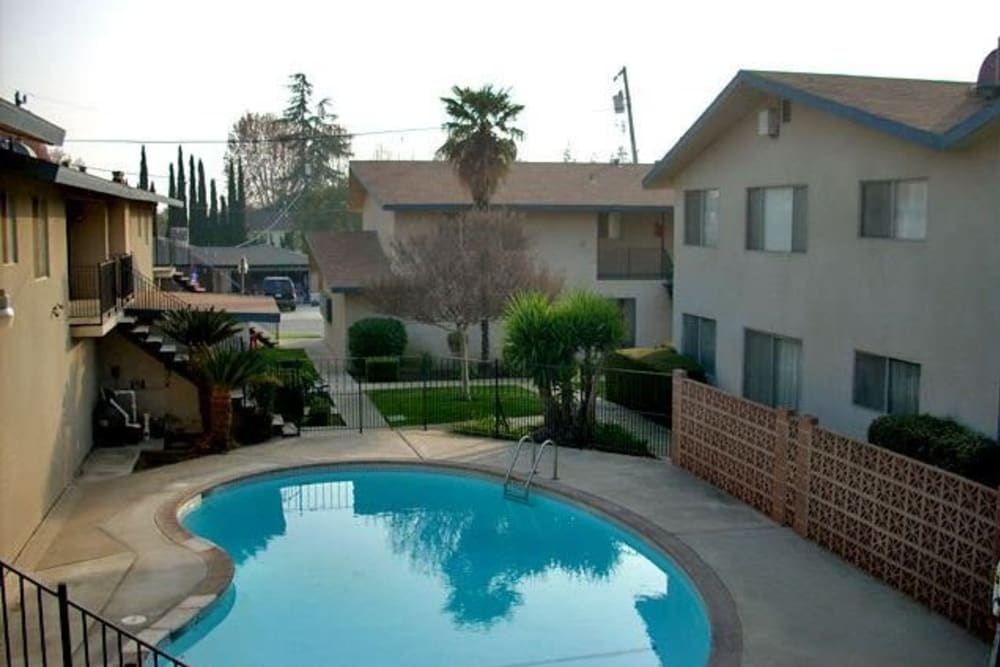 Resident pool outside at Highland View Court in Bakersfield, California