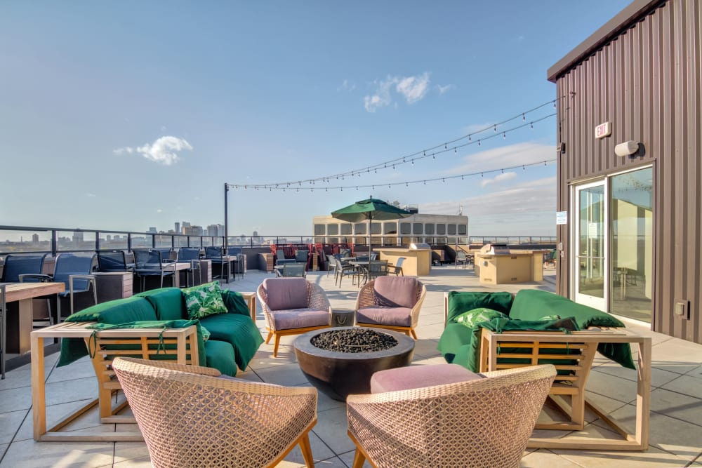 Rooftop Lounge at The Link Minneapolis | Student Apartments in Minneapolis, Minnesota