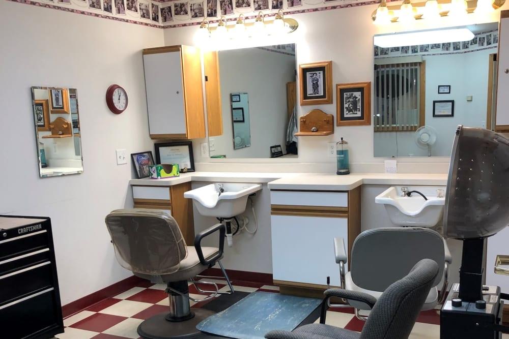 Haircut station in the salon at Arlington Place Oelwein in Oelwein, Iowa