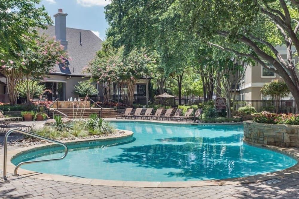 Swimming pool at The Verandas at Timberglen in Dallas, Texas