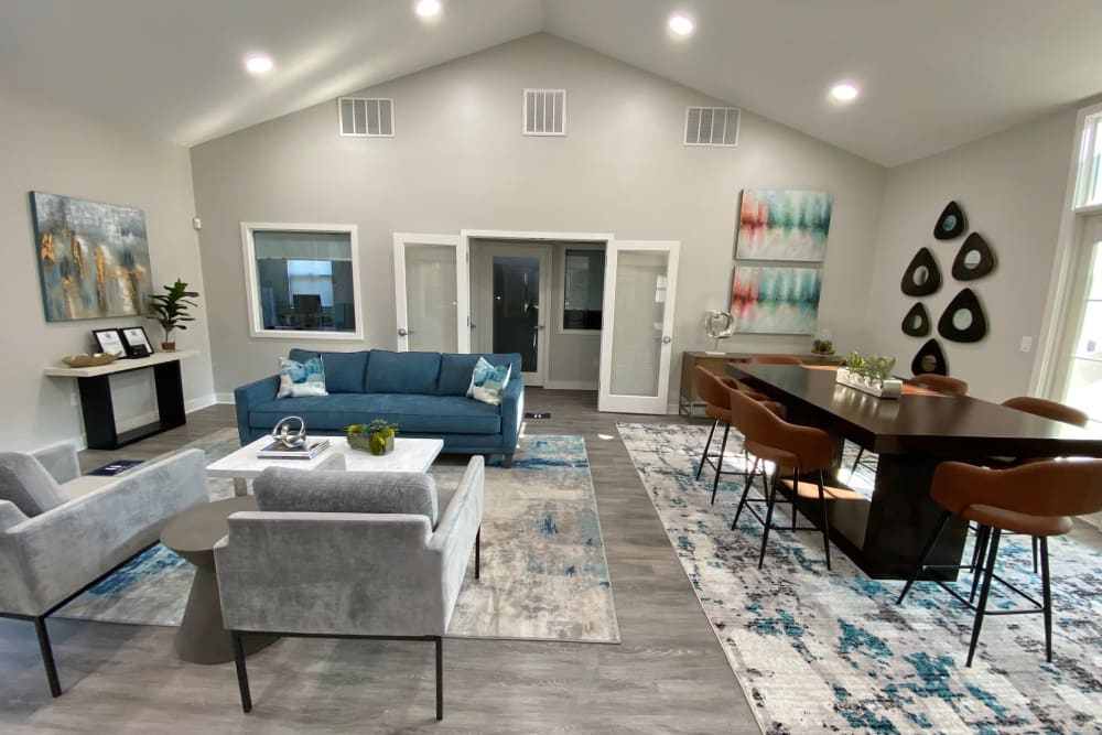 Resident Lounge at The Reserve at Ballenger Creek Apartments apartments in Frederick, Maryland