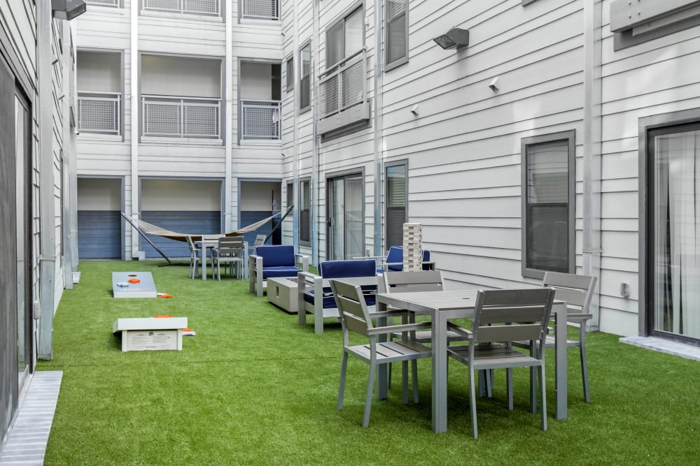 Lush courtyard at Texan 26 in Austin, Texas