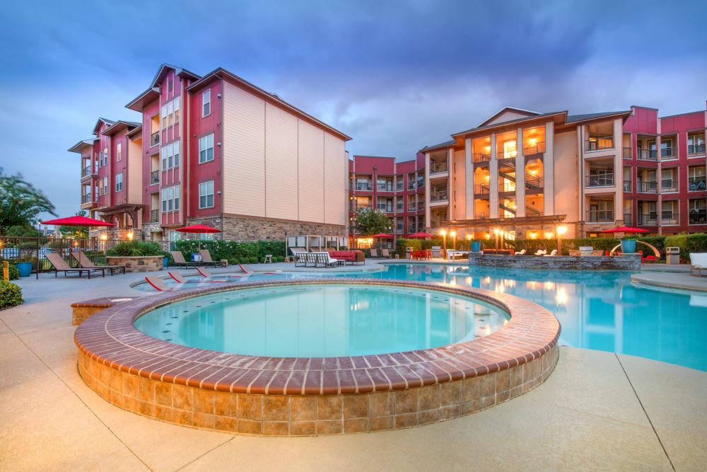 Outdoor pool and spa at Olympus Katy Ranch in Katy, Texas
