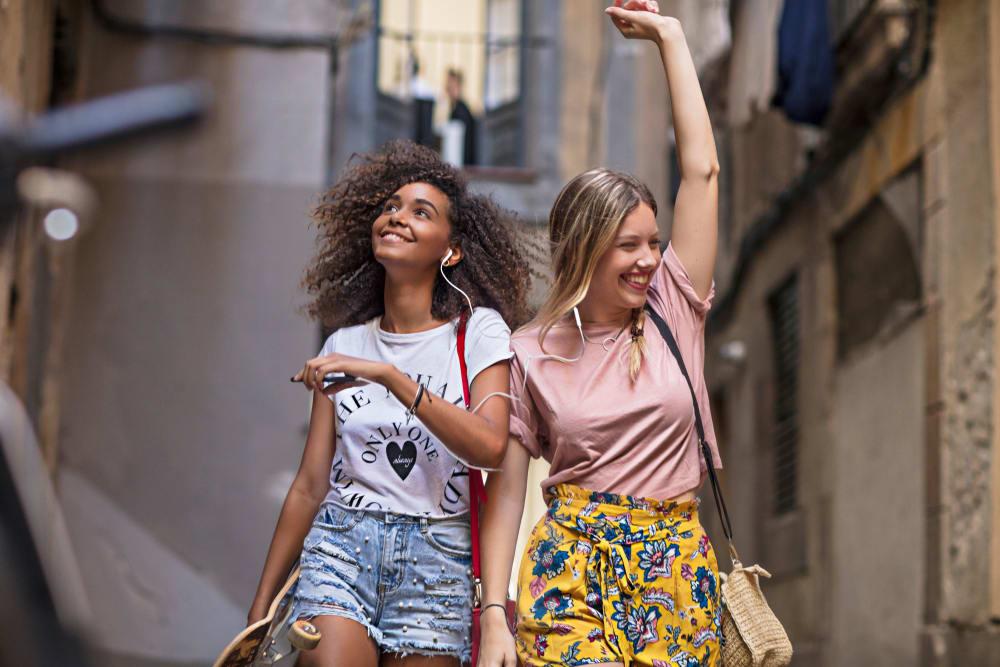 Friends hanging out near HERE Tuscaloosa and University of Alabama in Tuscaloosa, Alabama