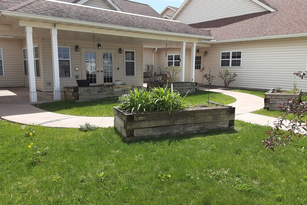Outside grounds at Milestone Senior Living in Eau Claire, Wisconsin