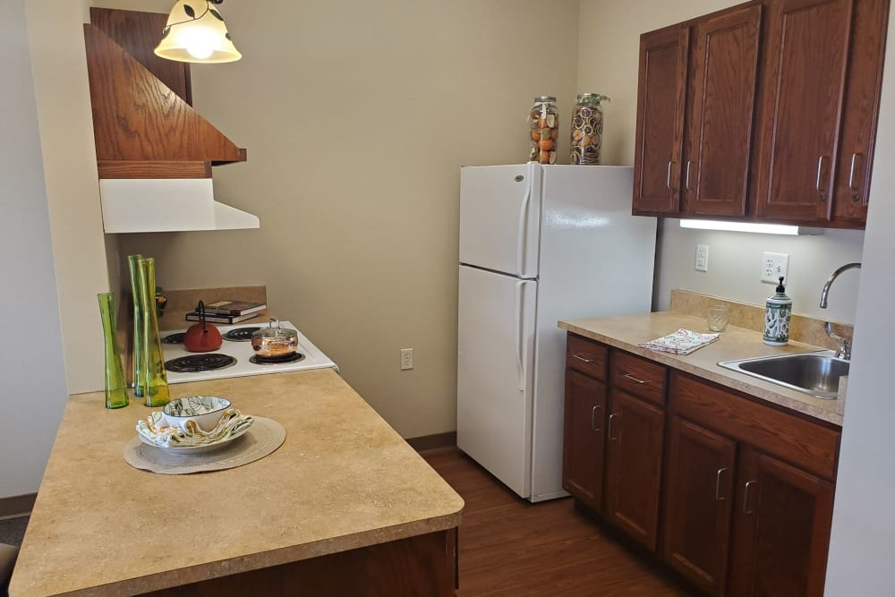 A full resident kitchen at Milestone Senior Living in Eau Claire, Wisconsin.