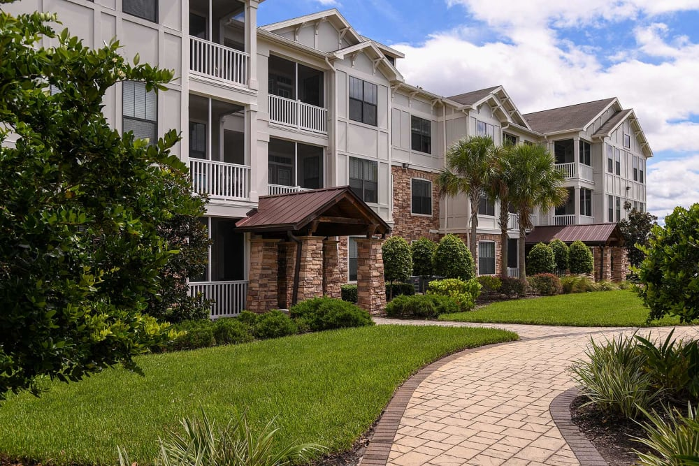 Walking paths at Terraces at Town Center in Jacksonville, Florida