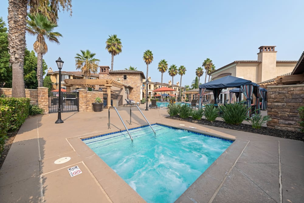 Spa pool for community at Sofi Shadowridge in Vista, California