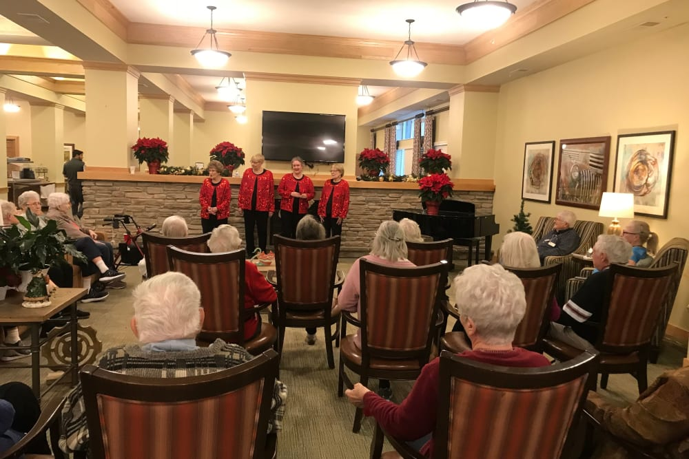 Residents enjoying singers at Edencrest at Riverwoods in Des Moines, Iowa