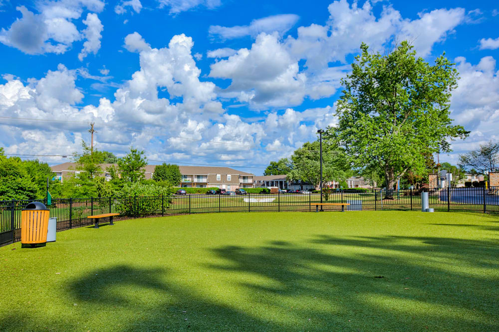 Dog park at 865 Bellevue Apartments in Nashville, Tennessee