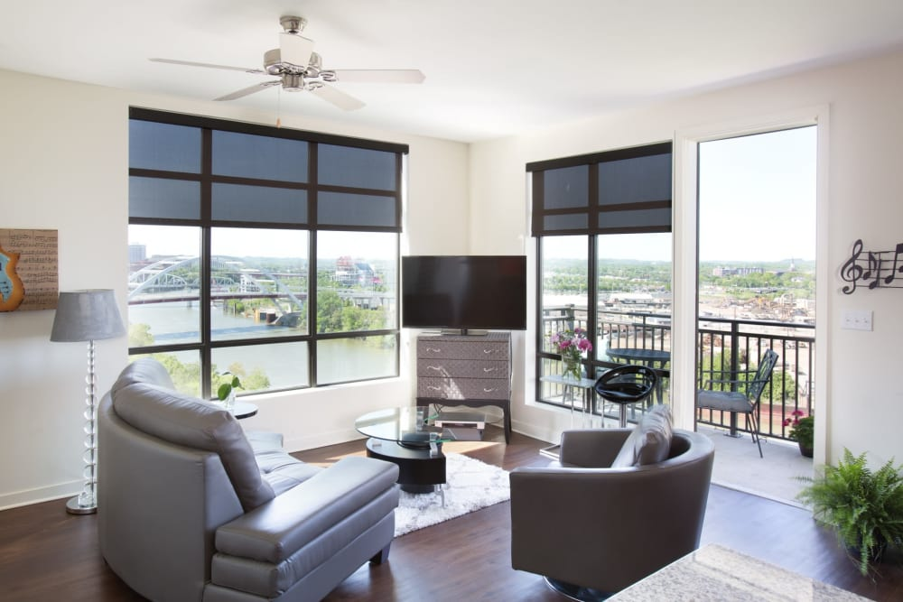 Large floor to ceiling windows at City View Apartments in Nashville, Tennessee