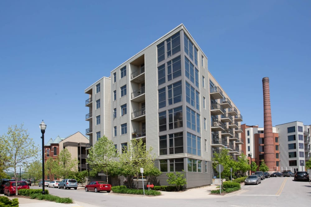 Modern exterior of City View Apartments in Nashville, Tennessee