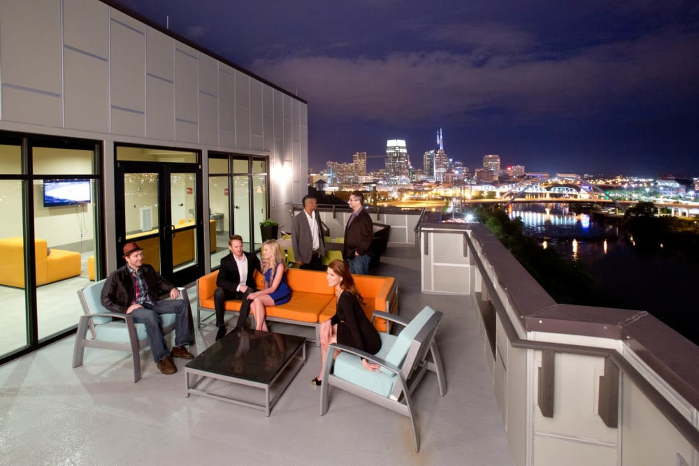 amazing rooftop lounge at City View Apartments in Nashville, Tennessee