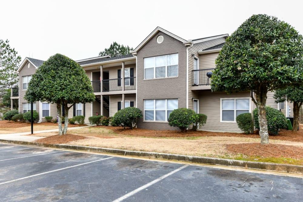 Exterior of 900 Dwell's apartments in Stockbridge, Georgia
