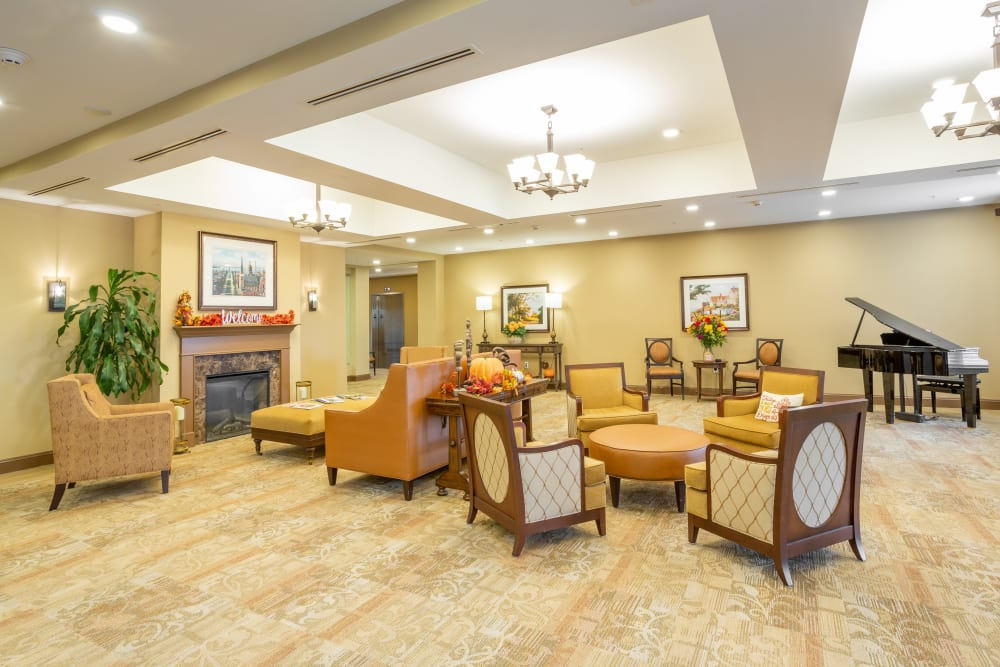Grand entryway and lobby at Harmony at West Shore in Mechanicsburg, Pennsylvania