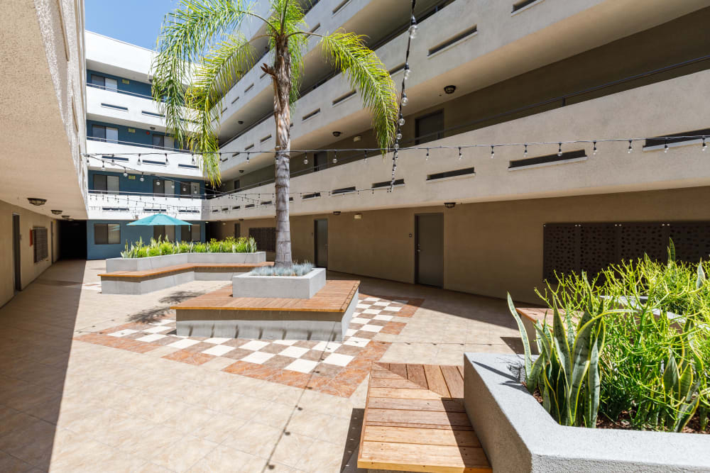 Courtyard at Vue at Laurel Canyon in Valley Village, California