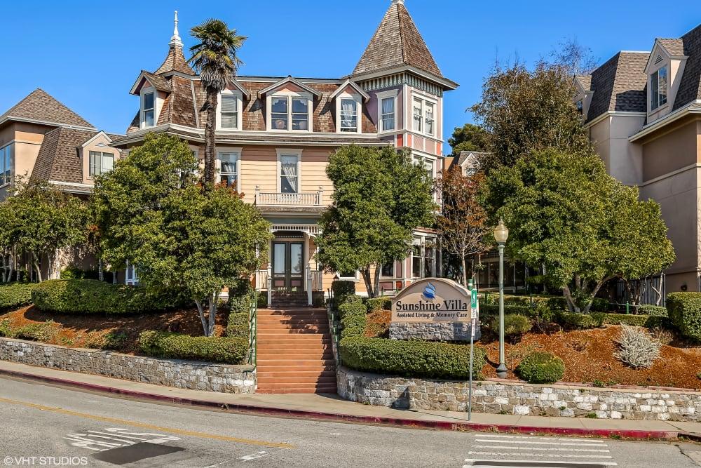 Exterior of Sunshine Villa in Santa Cruz, California.