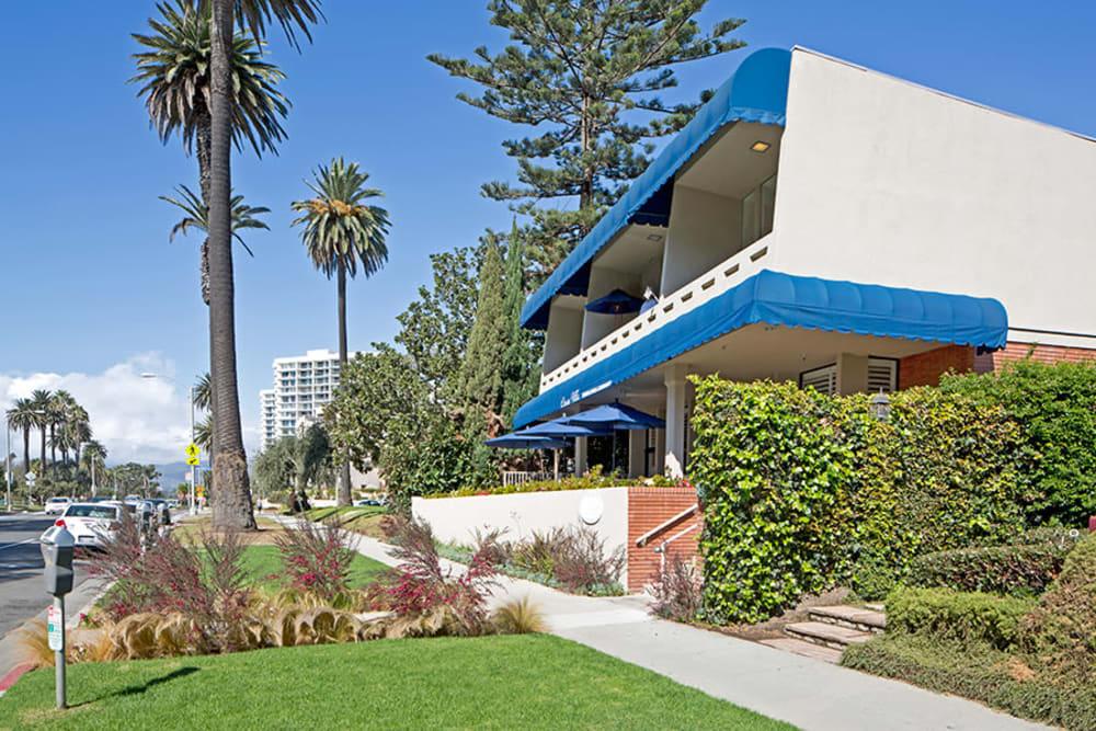 Exterior image of Meridian at Ocean Villa