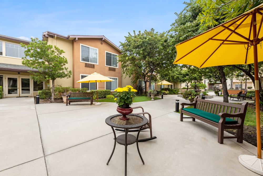 Courtyard with seating at Cypress Place in Ventura, California