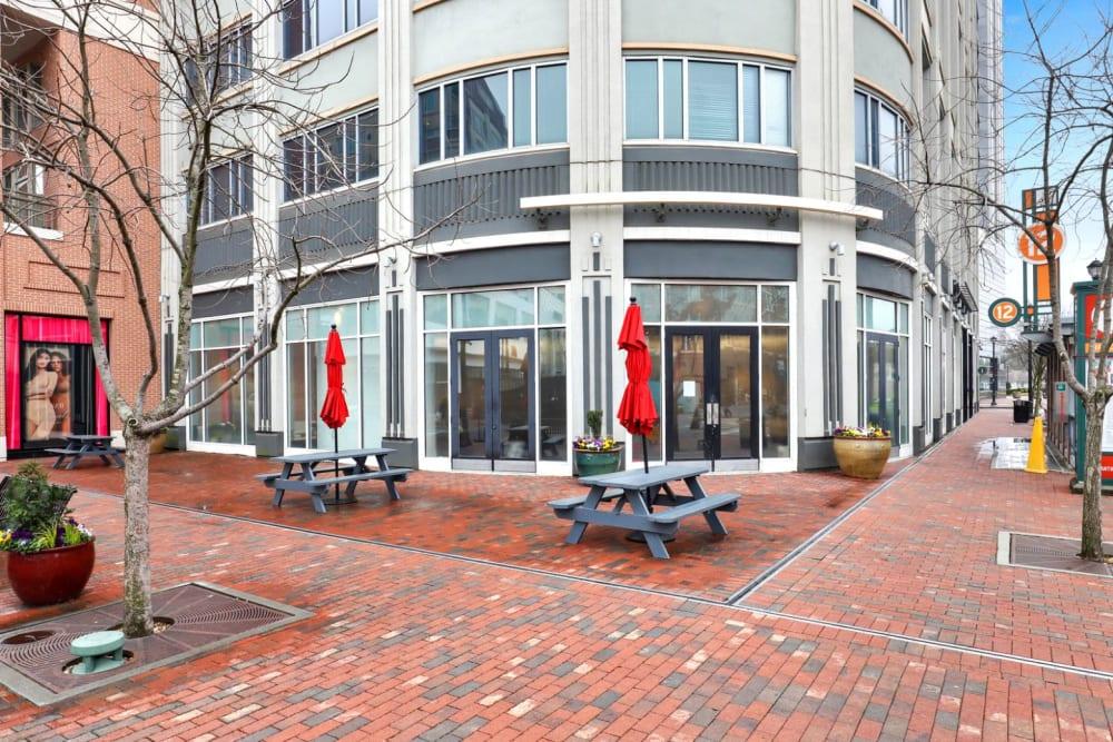 Exterior of 17th Street Lofts's building in Atlanta, Georgia