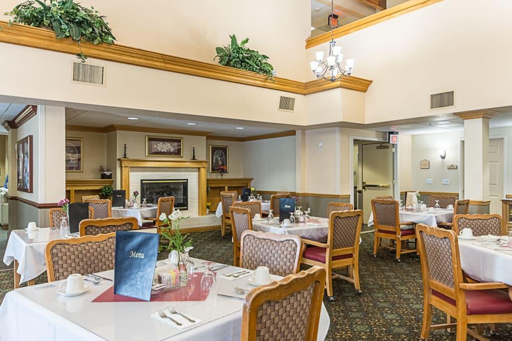 Resident dining room at Truewood by Merrill, Clovis in Clovis, California.