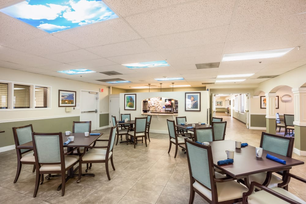 Memory care dining at Willow Park in Boise, Idaho.
