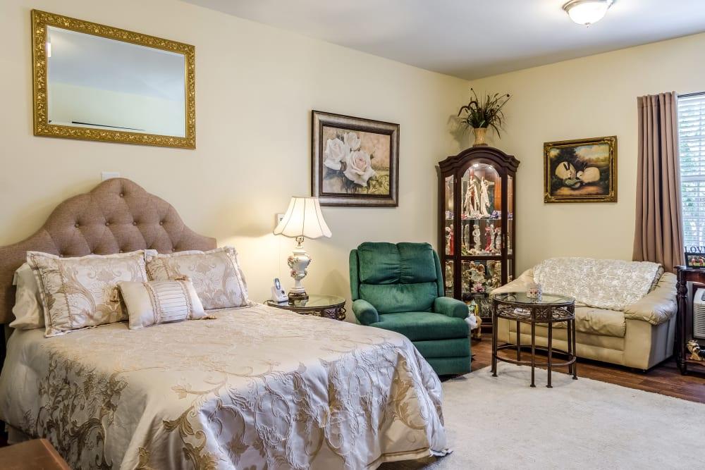 Resident bedroom at Truewood by Merrill, Ocean Springs in Ocean Springs, Mississippi.